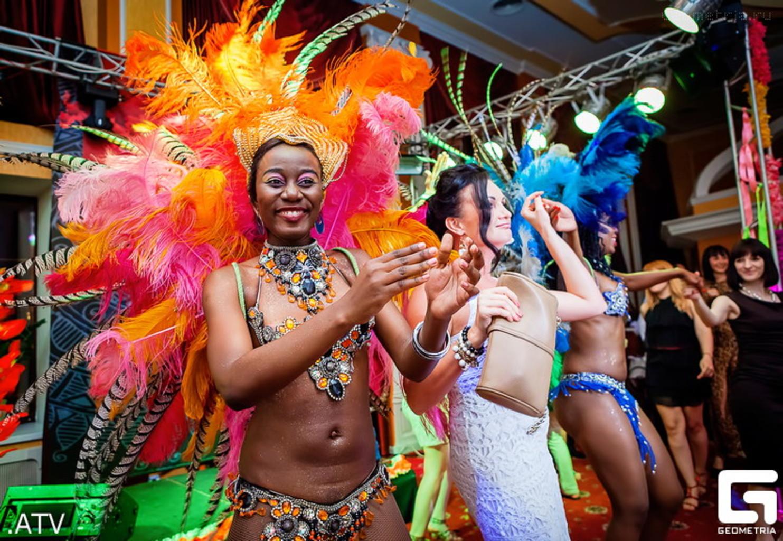Порно вечеринка в бразилии